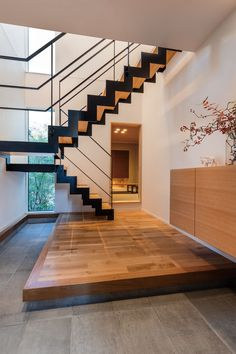 My Home Design, House Design, Japanese Modern House, Japanese Interior Design, Natural Interior, Interior Architecture, Entrance, Sweet Home, Stairs