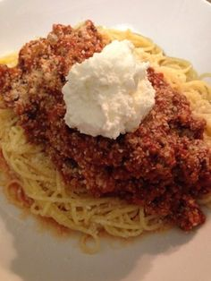 REAL Italian Bolognese Sauce Recipe - Genius Kitchen After traveling throughout Italy, savoring the fine tastes of Bolognese from the many different regions, I decided to formulate my own. Try it, youll love it. Sauce Recipes, Pasta Recipes, Beef Recipes, Dinner Recipes, Cooking Recipes, Recipies, Italian Pasta, Italian Dishes, Italian Foods