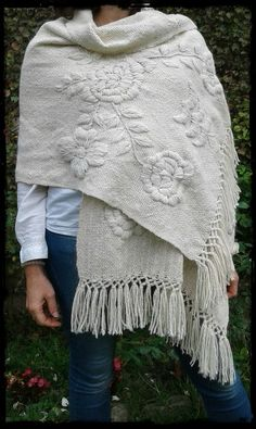See related links to what you are looking for. Crochet Quilt, Crochet Poncho, Love Crochet, Knitted Shawls, Mexican Embroidery, Embroidery Fashion, Crewel Embroidery, Embroidery Patterns, Hand Embroidery Videos