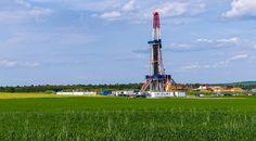 Le patron d'Exxon Mobil dit non au gaz de schiste. Exxon Mobil est le leader américain de l'extraction du gaz de schiste. Son patron, Rex Tillerson, vient de s'illustrer en s'opposant à l'installation d'un château d'eau, destiné à une extraction hydraulique, à proximité de son ranch...