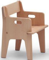 Silla infantil. PETERS by Hans J. Wegner  Carl Hansen & Son