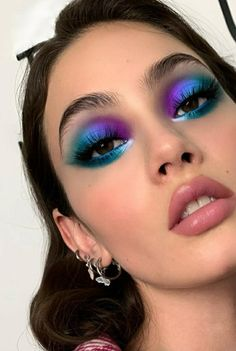 Bright Eye Makeup, Edgy Makeup, Colorful Eye Makeup, Eye Makeup Art, Gorgeous Makeup, Pretty Makeup, Bh Cosmetics Galaxy Chic, Eye Makeup Designs, Pinterest Makeup