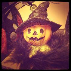 Little pumpkin head witch