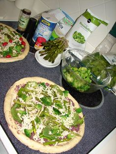 Green Pizza with Olive Tapenade Asparagus, Broccoli, Green Pizza, Kalamata Olives, Tapenade, Kitchen Dishes, Baby Spinach