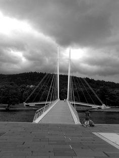 Pretty bridge in black and white : )