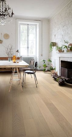 Wood Floors It's incredible! Check these 14 strategies all relating to Buying Diy Wood Floors, Natural Wood Flooring, Wood Laminate Flooring, Parquet Flooring, Hardwood Floors, Quick Step Parquet, Restore Wood, Dining Room Inspiration, House