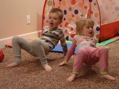 The crab: from a sitting position, raise the torso until just arms and legs were in contact with the ground, then walk backward. Young Toddler Activities, Sensory Activities Toddlers, Autism Activities, Infant Activities, Sensory Play, Vestibular Activities, Children With Autism, Autistic Kids, Sensory Therapy