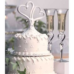 Heart Wedding Cake Toppers For Wedding In Miami - Wedding Reception Favors, Wedding Prep, Wedding Themes, Wedding Decorations, Wedding Ideas, Heart Wedding Cakes, Wedding Cake Server, Wedding Cake Toppers, Belle Bridal