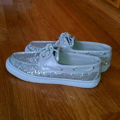 I have shoes kinda like these. They aren't Sperrys tho :( #sadface