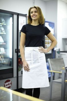 Dennys Polycotton Waist Apron No Pocket is a bleach resistant waist apron which has anti-tangle ties, made with a high spec polycotton construction that is suitable for industrial laundering up to 70c.