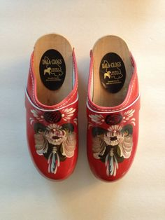 Swedish Red Folk Art Clogs* Welcome To Sweden, Christmas Shoes, Swedish Clogs, Moccasin Boots, Swedish Royals, Swedish Design, Folk Costume, Scandinavian Style, Folk Art
