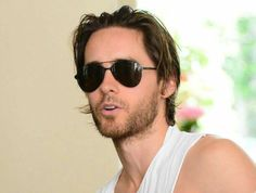 He has completely adapted for Italy. God, that man is gorgeous! Mars Photos, Just Jared, Most Beautiful Man, Jared Leto, Carrera, The Man, The Dreamers, Sexy Men, Crushes