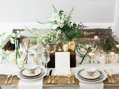Elegant winter wedding place settings Photography by Live View Studios
