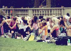 Yoga at Bryant Park |by JuYogi #nyc #manhatten #bryantpark #newyork #athleta #elisabethneuse