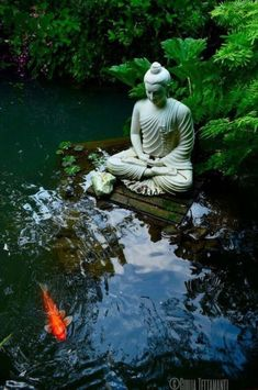 Awesome Buddha Statue for Garden Decorations #backyard #landscaping #ideas