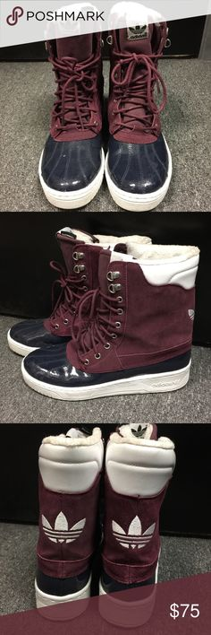 Adidas Women Burgundy ATTITUDE DUCK BOOT Sz 9 Outer Material: Leather Inner Material: Synthetic fur Sole: rubber Closure: Lace-Up Shoe Width: B womens_us Full segmented suede upper All-weather boots Sherpa lined Metal eyelets and top hooks Large contrast Trefoil on back Adidas Shoes Winter & Rain Boots
