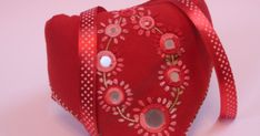 HI This week Sharon Of Pintangle announced Lazy Daisy as the stitch of the week.This stitch belongs to the chain stitch family and is oth. Heart Mirror, Chain Stitch, Lazy