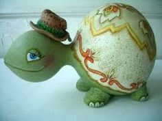 Turtle made out of gourds Paper Mache Projects, Paper Mache Clay, Paper Clay, Craft Projects, Decorative Gourds, Hand Painted Gourds, Gourds Birdhouse, Birdhouses, Diy And Crafts