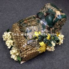 Station deals in- *Wedding planning and event planning *Decorators and Caterers *Best in class. Wedding Packaging, Event Planning, Wedding Planning, Trousseau Packing, Wedding Favor Bags, Decorative Plates, Wedding Decorations, Art, Art Background