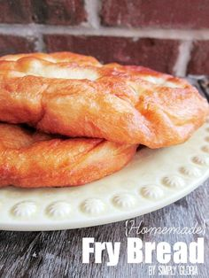 Homemade Fry Bread by SimplyGloria.com #breads