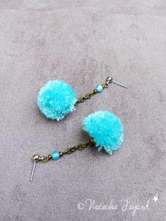 Boucles d'oreilles pompons ! Coton satin turquoise Oo*