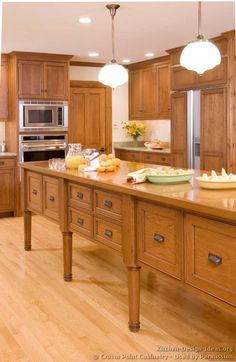#Kitchen of the Day: Natural & light wood kitchens gallery. (Shaker kitchen By Crown Point Cabinetry)