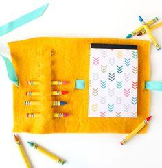 Esta pasta de pintura em feltro é fácil de ser feita (Foto: blitsy.com)