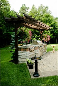 The pergola kits are the easiest and quickest way to build a garden pergola. There are lots of do it yourself pergola kits available to you so that anyone could easily put them together to construct a new structure at their backyard. Outdoor Kitchen Patio, Outdoor Pergola, Backyard Pergola, Outdoor Kitchen Design, Pergola Plans, Outdoor Rooms, Backyard Landscaping, Outdoor Gardens, Outdoor Living