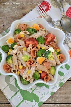 kuchnia na obcasach: Sałatka makaronowo-brokułowa z łososiem