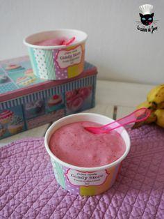 Crème glacée végétale, framboises et bananes