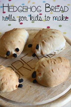 Easy Hedgehog Bread Roll Recipe to Bake with Toddlers and Preschoolers - A simple bread recipe for kids to make that will make 4 – 6 small hedgehog bread rolls perfect fo - Bread Recipes For Kids, Kids Cooking Recipes, Kids Meals, Simple Recipes For Kids, Cooking For Kids, Children Recipes, Cooking Ham, Italian Cooking, Cooking School