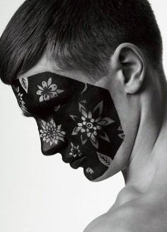 Maquillage. Isamaya ffrench. #graphique #noir http://isamayaffrench.com/