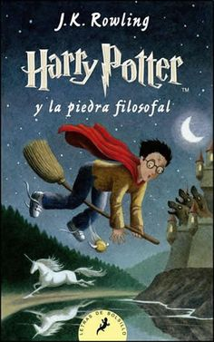 Harry Potter y La Piedra Filosofal. Harry Potter and The Philosopher's Stone. Harry Potter Book Covers, First Harry Potter, Harry Potter World, Rowling Harry Potter, Hogwarts, Slytherin, Un Book, The Sorcerer's Stone, Harry Potter Collection