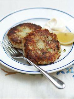 JAmie Oliver Fish Cakes Jamie Oliver Fish Cakes, Jamie Oliver Fish Recipes, Jaime Oliver, Homemade Fish Cakes, Fish Cakes Recipe, Salmon Fishcakes, Seafood Recipes, Cooking Recipes, Cod Recipes
