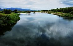 Yoshino River, Shikoku, Japan by ojisanjake.blogspot.com