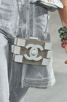 20 Latest Bag Trends in 2014 ... └▶ └▶ http://www.pouted.com/?p=35634