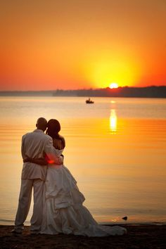 Beautiful Wedding Photoshoot by Nat Caron Photography on Centennial Beach, Barrie