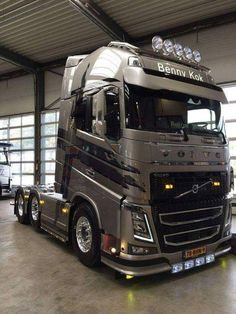 Loving my Volvo :) Volvo V8, Volvo Trucks, Mack Trucks, Big Rig Trucks, Cool Trucks, Train Truck, Road Train, Custom Big Rigs, Custom Trucks
