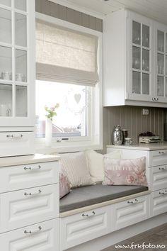 So kann ganz einfach eine Sitzgelegenheit in die Küche integriert werden.