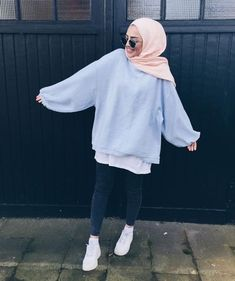 Style hijab sweater 69 ideas for 2019 Modest Fashion Hijab, Modern Hijab Fashion, Street Hijab Fashion, Casual Hijab Outfit, Hijab Fashion Inspiration, Hijab Chic, Muslim Fashion, Casual Outfits, Kimono Outfit