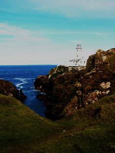 Fanad Lighthouse, Donegal, Ireland Michaela McDavitt  by APIstudyabroad, via Flickr