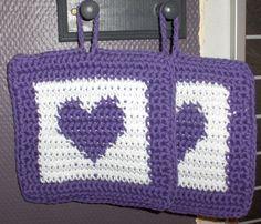 crocheted potholders, heart pot holder, crochet pot holder, christmas pot holder by Hildescrochetshop on Etsy