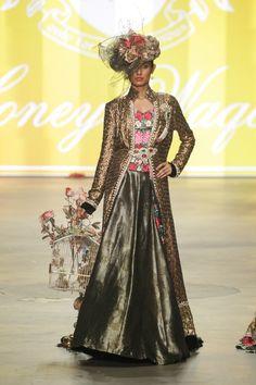 Honey Waqar for Vibrant Pakistan Segment @ Amsterdam Fashion Week 2013 Pakistan Fashion Week, Dutch Women, Amsterdam Fashion, Purple Dress, Playing Dress Up, Dress Making, Catwalk, Fashion Show, Fashion Photography