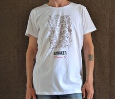 Guarda questo articolo nel mio negozio Etsy https://www.etsy.com/it/listing/527958959/t-shirt-da-uomo-t-shirt-stampa-digitale