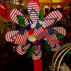 Flip flop wreath. Too cute. I love this!