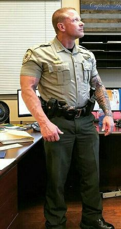 Most of the time, people attempting to become police officers focus on the written and oral exam portion of the tests. However, there is a physical exam you must pass as well. Cop Uniform, Men In Uniform, Big Muscular Men, Sexy Military Men, Hot Cops, Beefy Men, Muscle Men, Police Officer, Bearded Men