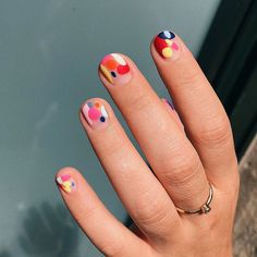 Nail designs are the best way to keep your manicure looking fresh. so embrace your cuticles and check out these easy and enviable nail designs and ideas for all seasons and events. Nail Design Stiletto, Nail Design Glitter, Gelish Nails, Diy Nails, Cute Nails, Pedicure Nail Art, Toe Nail Art, Nail Art Dots, Bird Nail Art