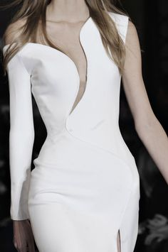 Sleek white dress with curved panels; couture fashion details // Atelier Versace Spring 2015