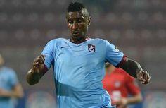 Spor Toto Süper Lig ekiplerinden Trabzonspor'un Milan'dan kadrosuna kattığı ancak gösterdiği performans ile hayal kırıklığı yaratmasının ardından sözleşmesi karşılıklı olarak feshedilen Gineli orta saha oyuncusu Kevin Constant, İngiltere yolcusu.