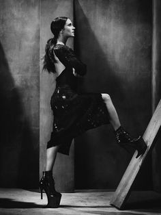 strangelycompelling:  Model - Jennifer Connelly SC|SC on...